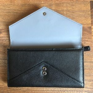 Kenneth Cole Bags - Kenneth Cole Black Pebbled Leather Large Wallet